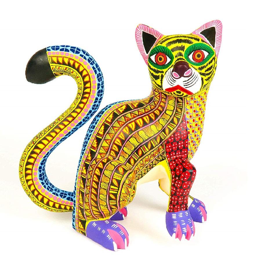adornos Alebrije coloridos de gatos hecho de madera