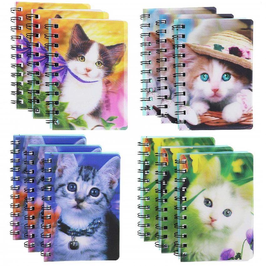 cuaderno de estudiante diseño de gatos 3D