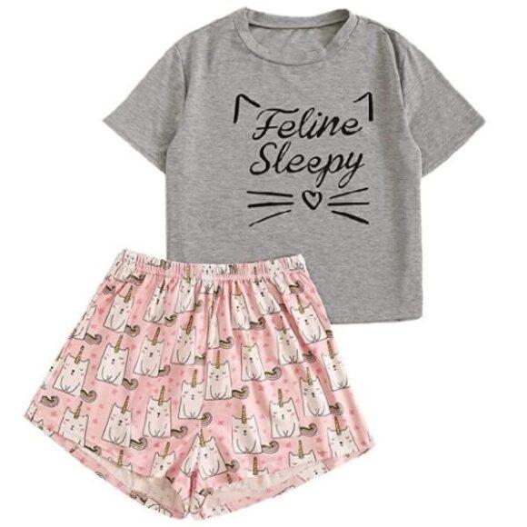 Pijama de mujer con estampado de gatos